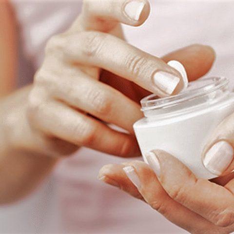 Gadżety kobiety przydatne w każdej sytuacji. Czego używam do pielęgnacji skóry i włosów?