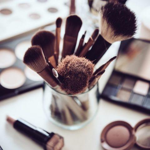 Jak dopasować makijaż do koloru oczu? Kilka sprawdzonych sposobów na piękny wygląd