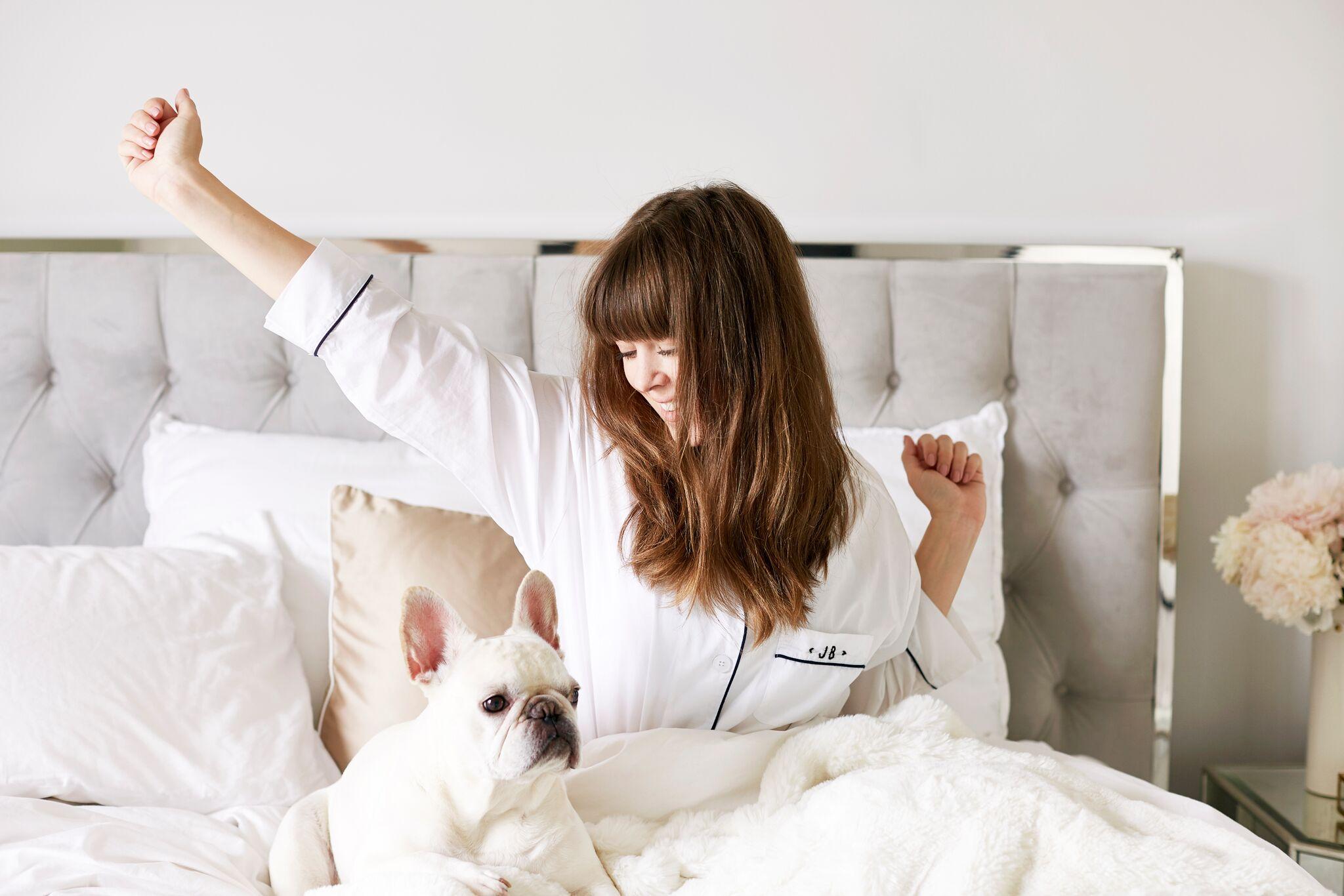 Co robić przed snem, aby zadbać o włosy?
