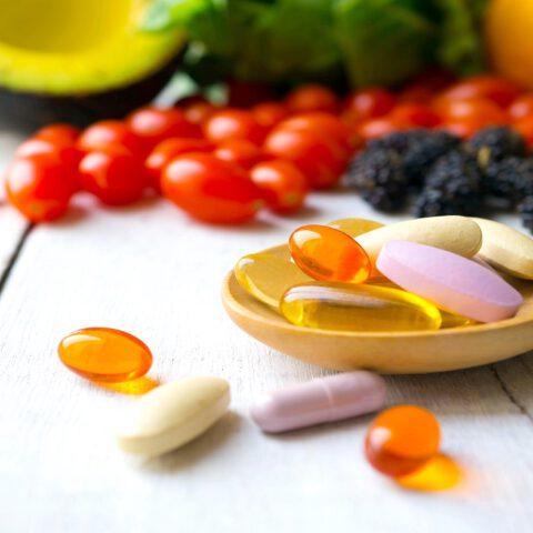 Witaminowy przewodnik – jak witaminy wpływają na urodę?